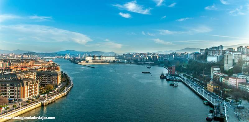 Vistas de Getxo y Portugalete desde el puente colgante