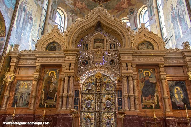 Iconostasio en la Iglesia del Salvador sobre la Sangre Derramada
