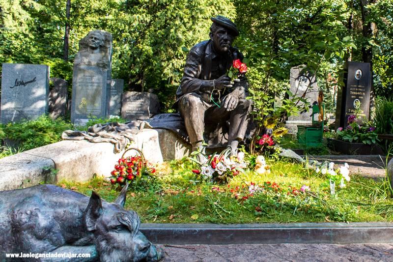Arte en el Cementerio de Novodéchivhi