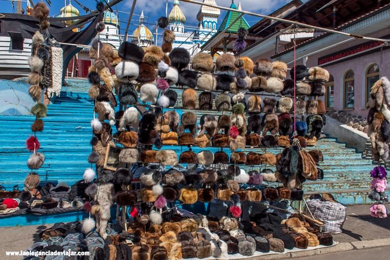 Gorros rusos en el mercado de Izmailovo
