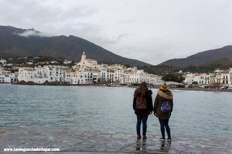 Nos vamos a visitar Cadaqués, ¿vienes?