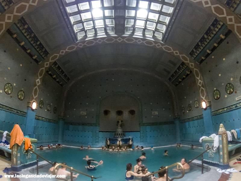 Banos Gellert.Banos Termales De Budapest La Elegancia De Viajar