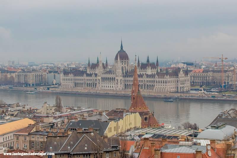 Vistas al Parlamento desde el Bastión de los Pescadores