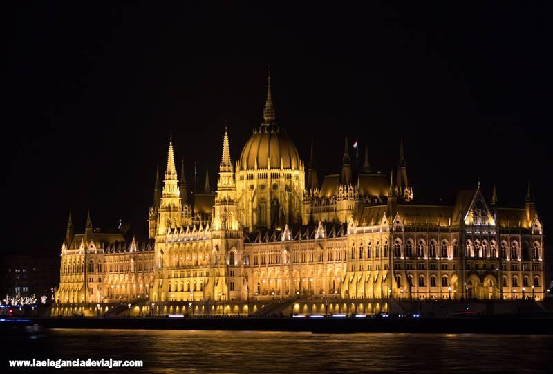 Vistas al Parlamento desde Buda