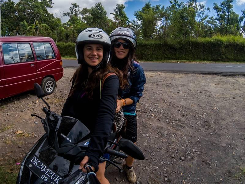 Conduciendo nuestra primera moto por Indonesia