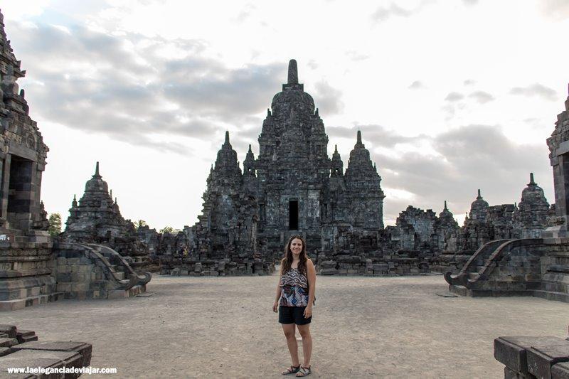 Templos secundarios en Prambanan