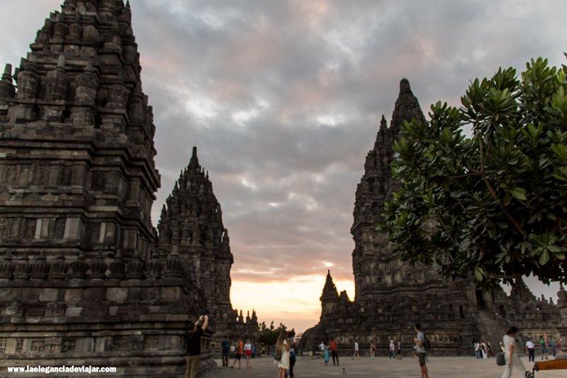 Atardecer en Prambanan