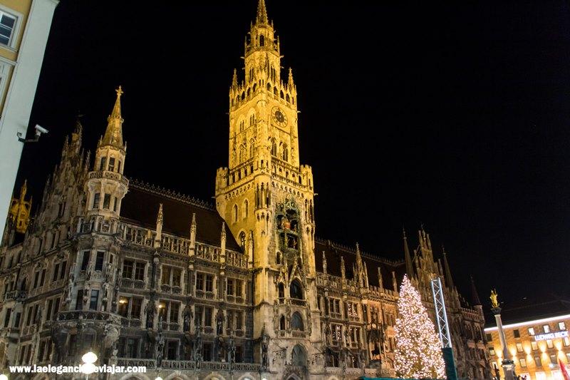 Rathaus de Múnich por la noche