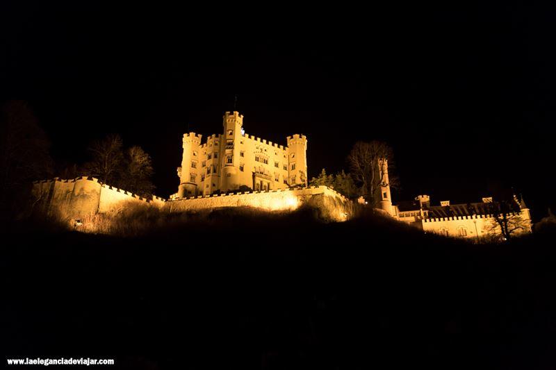 Castillo de Hohenschwangau por la noche