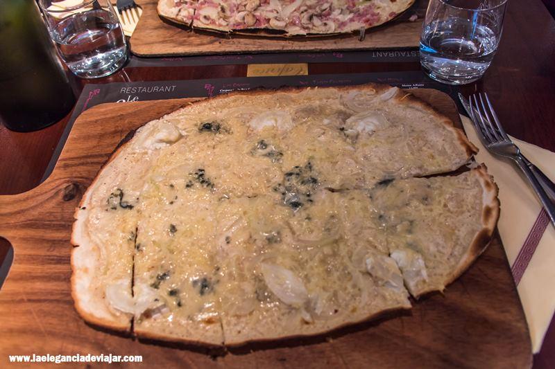 Tarte Flambée de quesos en Le Caprice