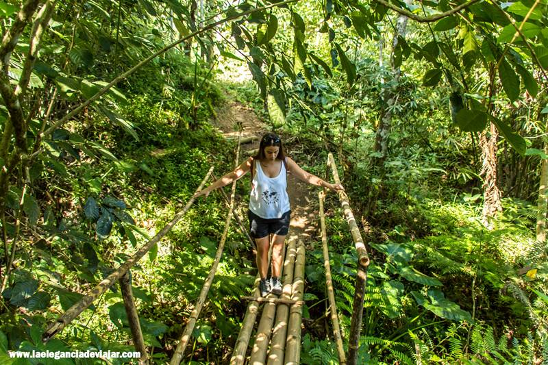 Empezando la ruta de las cascadas en Munduk