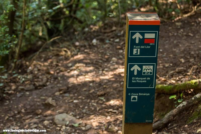 Seguimos las señales hacia las cuevas