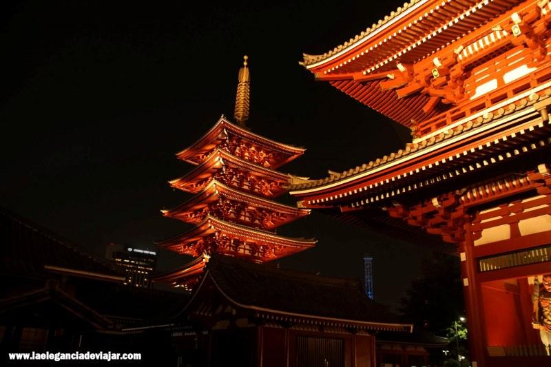 Templo de Senso-ji por la noche