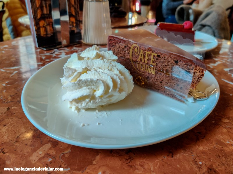 Tarta Sacher en el Café Central
