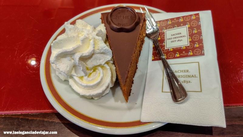 Tarta Sacher en el Café Sacher
