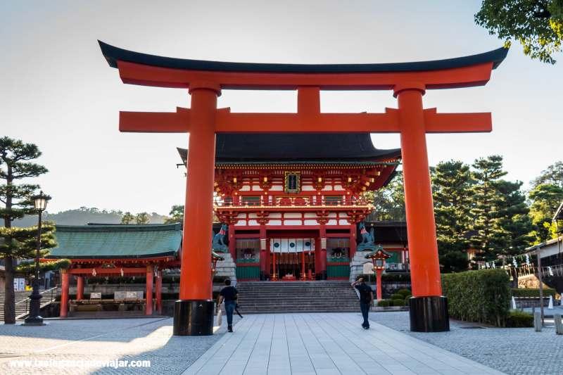 Puerta Romon en Fushimi Inari