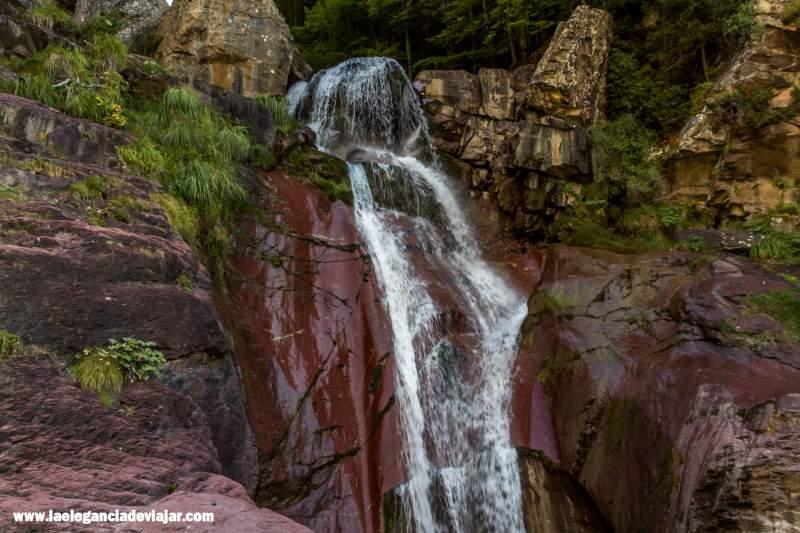 Cascada La Larri