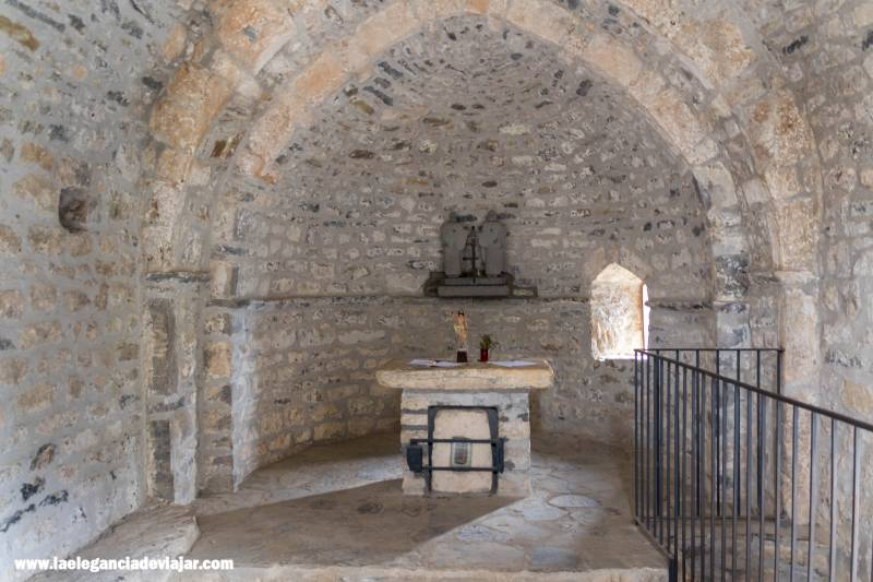 Interior de la Ermita de San Juan y San Pablo