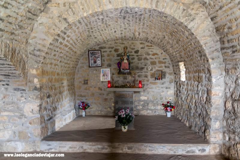 Interior de la Ermita de la Virgen de la Peña