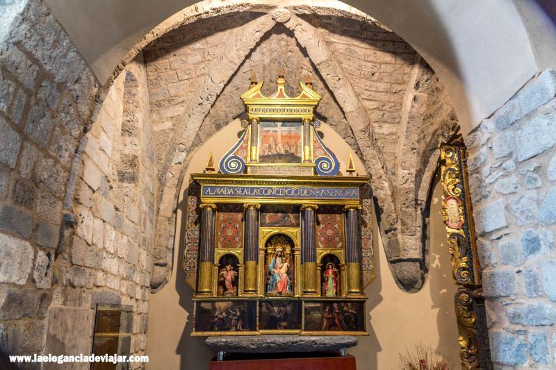 Interior de la Nativitat de Durro