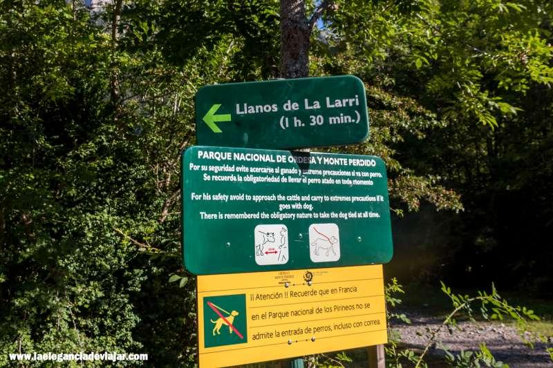 Ruta a los Llanos La Larri desde el Parking del Valle de Pineta