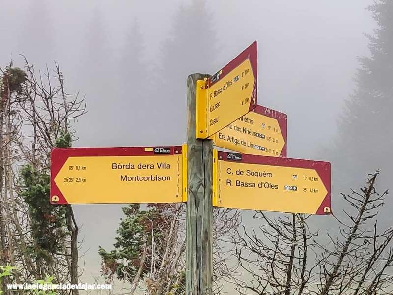 Señal de la ruta al Montcorbison
